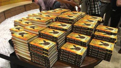 Нова книга про Гаррі Поттера викликала справжній ажіотаж - фото 1