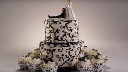 У новому ролику показали, як змінювалася мода на весільні торти - фото 1