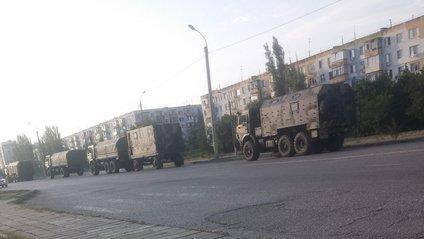 Росія звозить до Криму колони техніки - фото 1