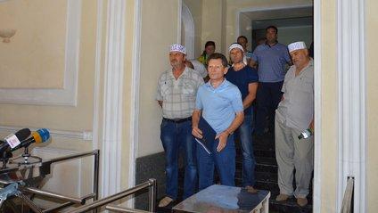 Один з шахтарів підпалив себе у будівлі Міненергетики - фото 1