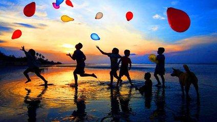Науковці назвали вік, у якому люди найщасливіші - фото 1