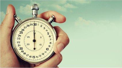 Стало відомо, чому час для дорослих летить швидше - фото 1