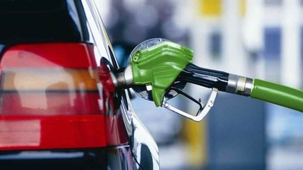 Експерти поділилися, коли бензин стане дешевшим - фото 1