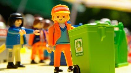 Дніпровці зможуть оплачувати комуналку, здаючи сміття - фото 1