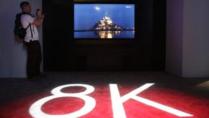 8K LED TV - фото 1