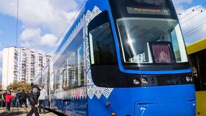 У Києві з'явився новий безшумний трамвай - фото 1