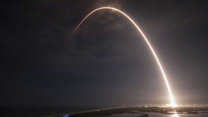 Ракета Falcon 9 із супутником зв'язку стартувала з мису Канаверал - фото 1