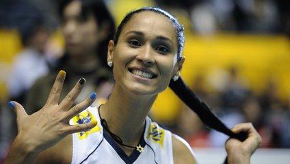 На першому місці волейболістка Жаклін Карвальо - фото 1