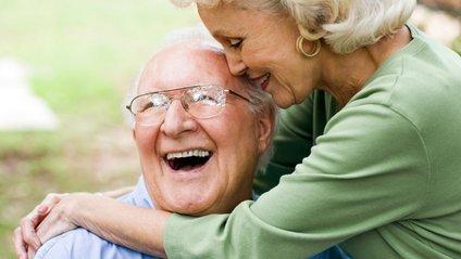 Скільки платять пенсіонерам у різних країнах - фото 1