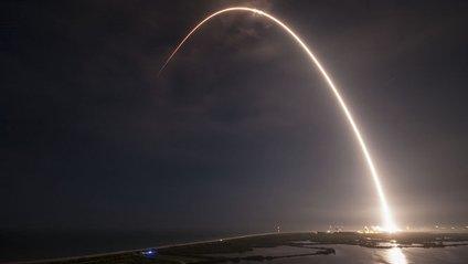 SpaceX планує здійснити перший повторний запуск Falcon 9 восени. - фото 1
