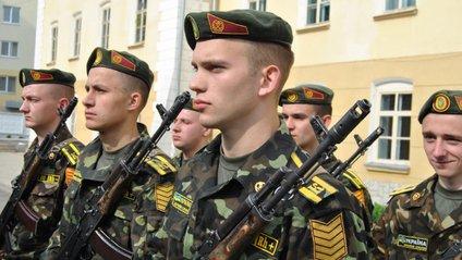В Україні з'явиться професійний сержантський корпус ЗСУ - фото 1