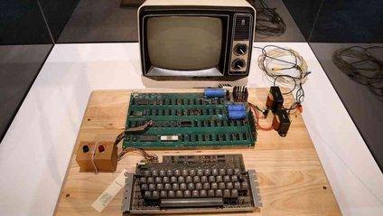 Перший комп'ютер Стіва Джобса продають на аукціоні - фото 1