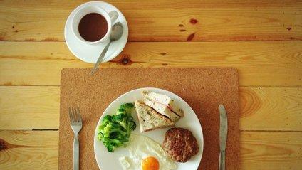 Чому треба снідати вранці - фото 1