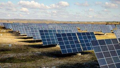 Унікальна в Східній Європі сонячна електростанція з'явилася в Дніпрі - фото 1