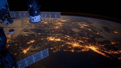 Астронавт показав неймовірне фото нічної Європи з космосу - фото 1