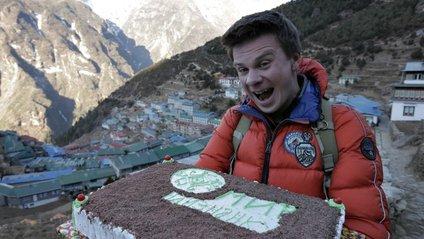 Український ведучий здійснив мрію маленьких непальців - фото 1