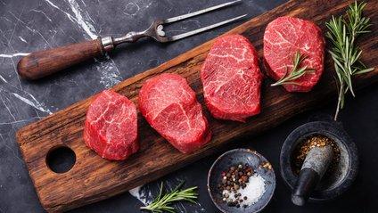 Червоне м'ясо завдає шкоди здоров'ю - фото 1