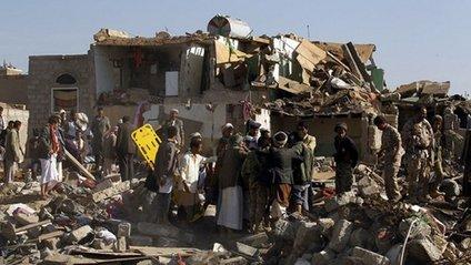 У Ємені авіаудар зруйнував в'язницю: є жертви - фото 1