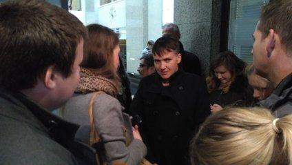 Савченко опинилася вночі в Ризі - фото 1