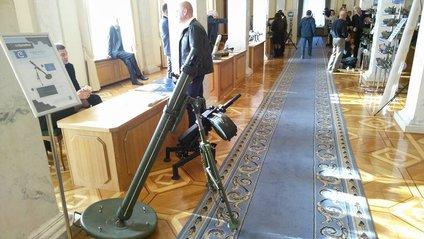 У будівлі Ради з'явився міномет - фото 1