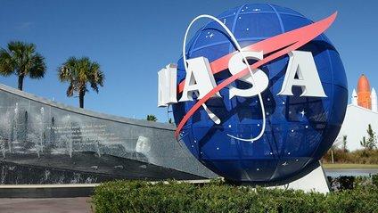 NASA припиняє співпрацю з Роскосмосом - фото 1