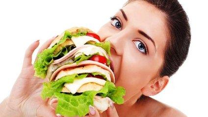 ПМС у жінок призводить до переїдання - фото 1
