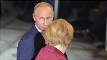 Українці і сирійці зустріли Путіна хітом футбольних ультрас - фото 1