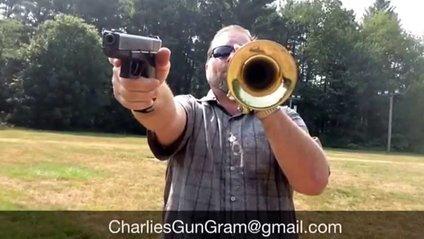 Відомі мелодії зіграли під акомпанемент пістолета: з'явилося відео - фото 1