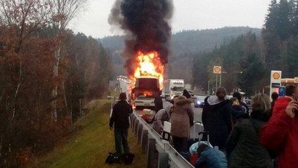 У Чехії вщент згорів автобус, яким їхали українці - фото 1