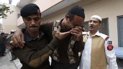 У Пакистані обстріляли мечеть - фото 1