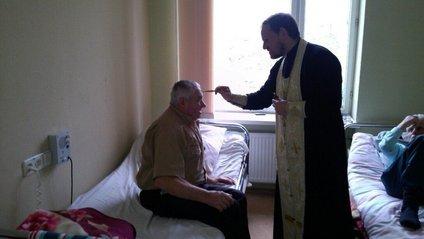 Депутати не дозволили священнослужителям відправляти служби у лікарнях - фото 1