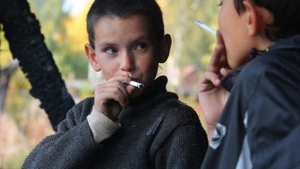 Російські учні отруїлись психотропними сигаретами - фото 1