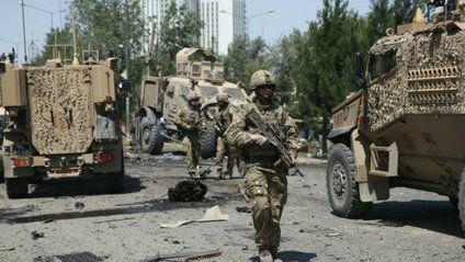 Потужний вибух на базі НАТО в Афганістані: з'явилися фото - фото 1