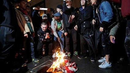 Протести проти Трампа - фото 1