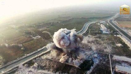 """Безпілотник """"ІД"""" зафіксував напад смертників в Іраку (18+) - фото 1"""