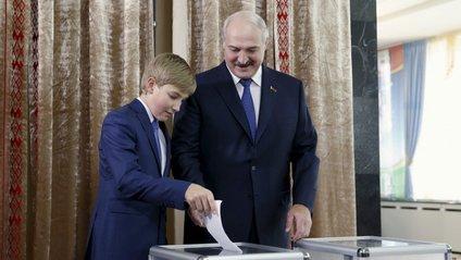 Микола Лукашенко - фото 1