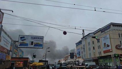 Пожежа на ринку в Одесі - фото 1