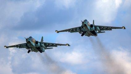 """Російська авіація влаштувала """"груповий удар"""" у Сирії - фото 1"""