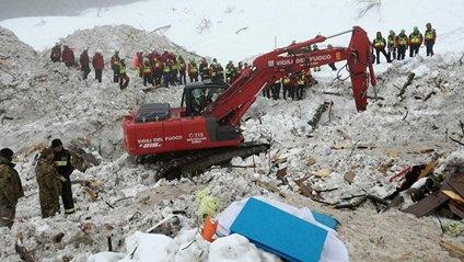 В Італії знайшли тіла 2 останніх жертв сходження лавини на готель - фото 1