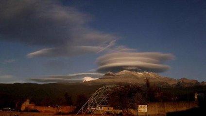 Незвичайні хмари злякали жителів Мексики - фото 1