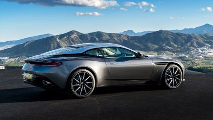 Aston Martin - фото 1