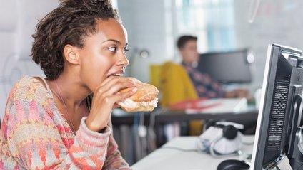 Що їсти на сидячій роботі? - фото 1