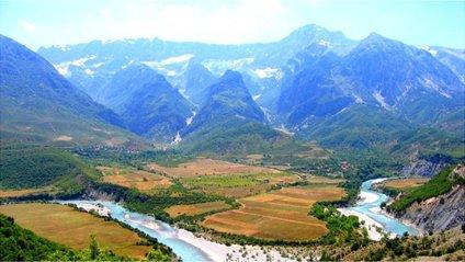 Албанія - фото 1