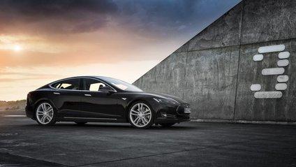 Новенька Tesla 3 позбудеться традиційної панелі - фото 1