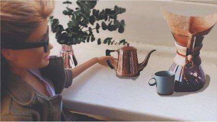 Як виглядав би Instagram ляльки Барбі, якби вона була реальною дівчиною - фото 1