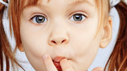 Гризти нігті в дитинстві корисно - фото 1