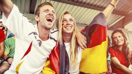 Футбольні фанати - фото 1