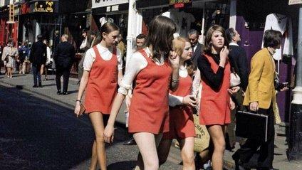 Як виглядали британки у 1960-х: вуличні фото - фото 1