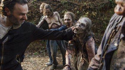 """Стало відомо, скільки триватиме серіал """"The Walking Dead"""" - фото 1"""