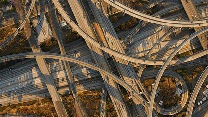 До запаморочення: як виглядають автомобільні шляхи світу - фото 1